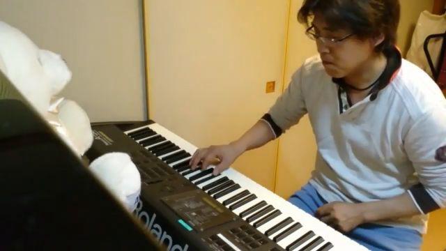 TOTO の  HOLD THE LINE PIANOを弾いてみた♪