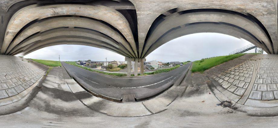 """34°59'24.5""""N 137°08'51.5"""" 橋高架下"""